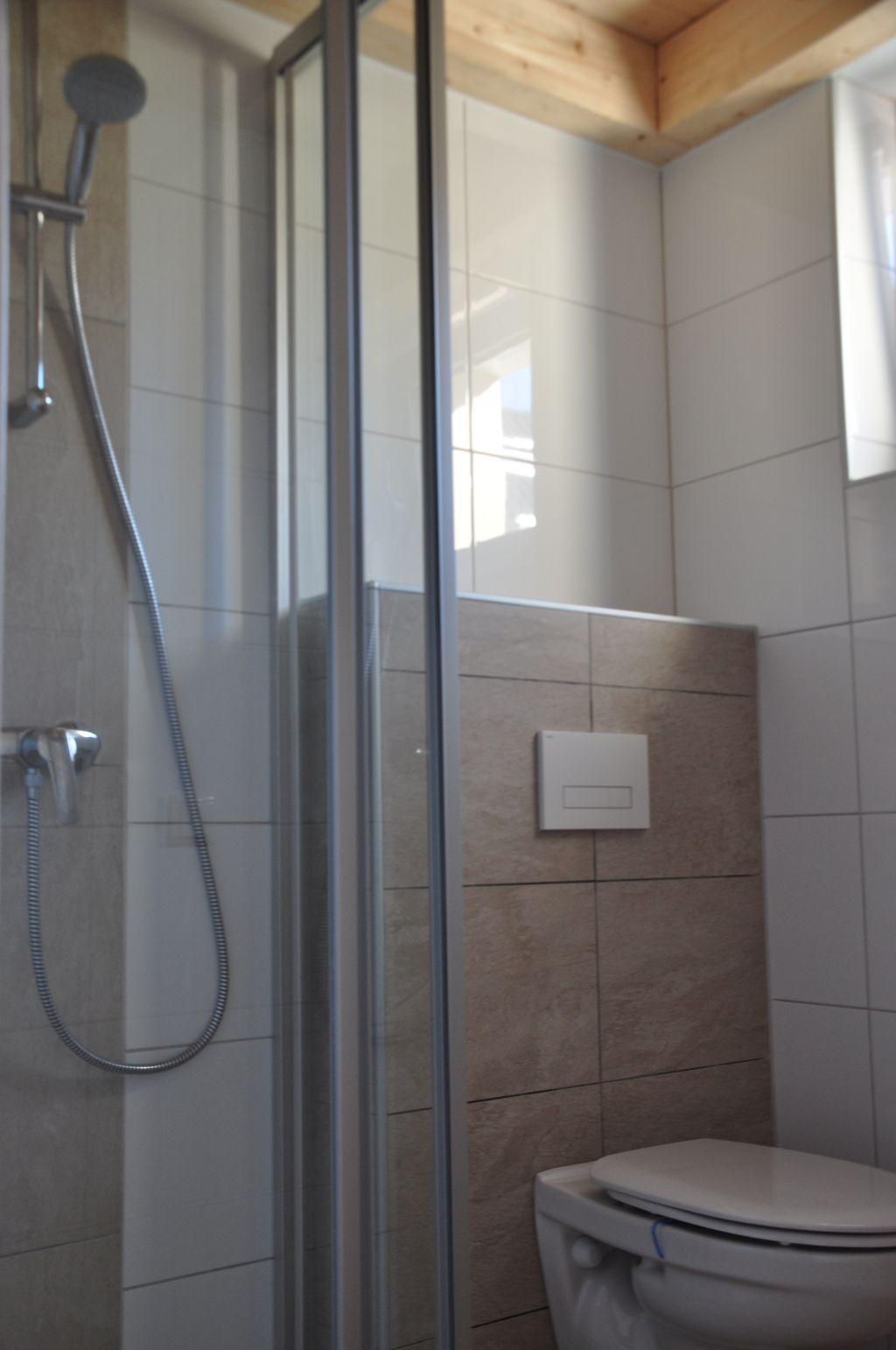 badkamer 1 foto 2