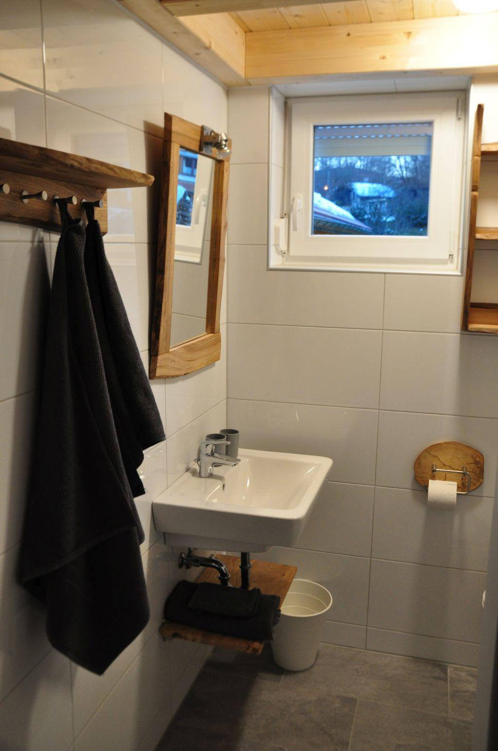 badkamer 2 foto 3